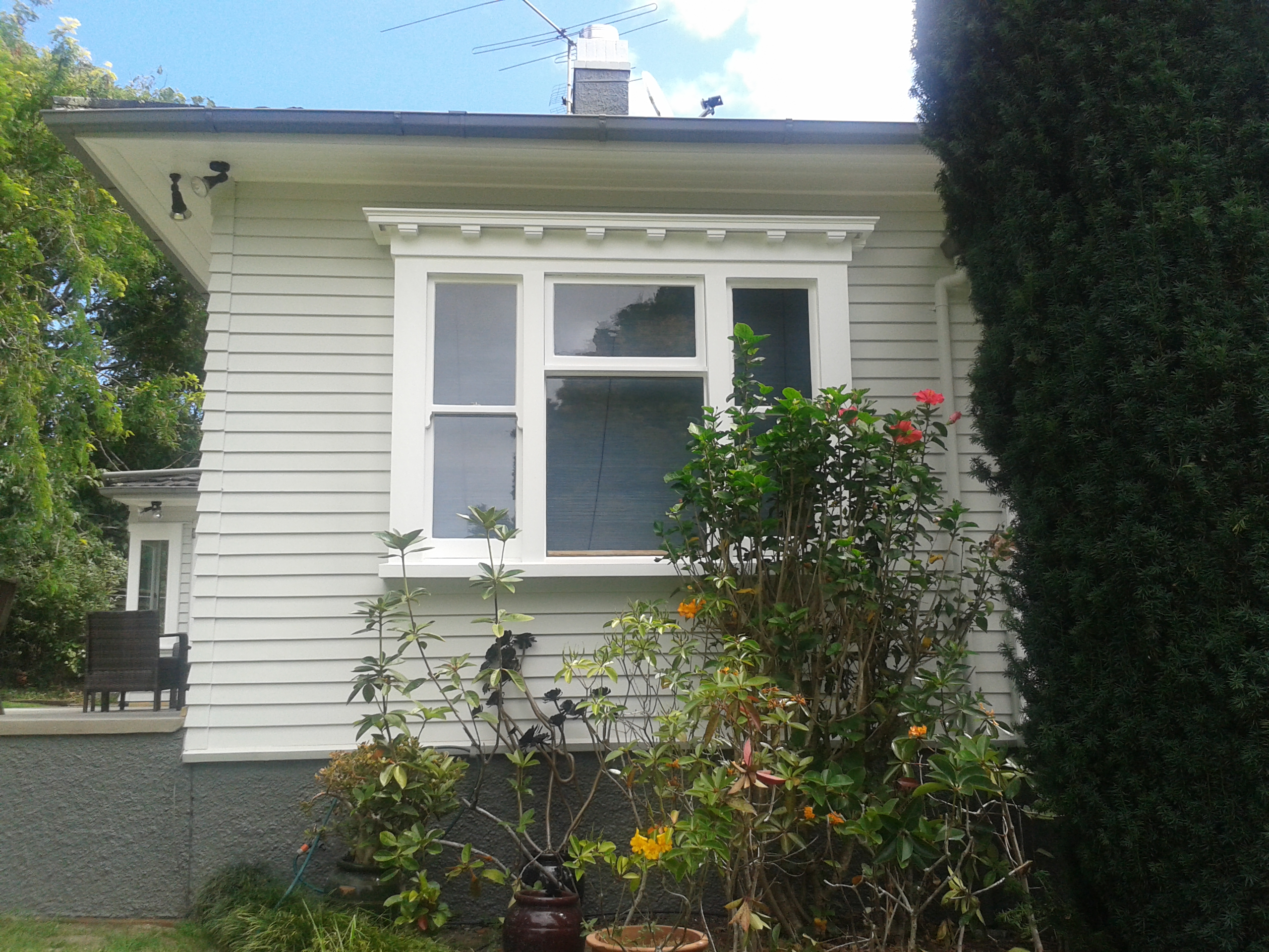 West auckland house painters exterior painting gallery for Exterior mural paint